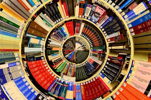 Rozliczenia czwatoklasistów z biblioteką